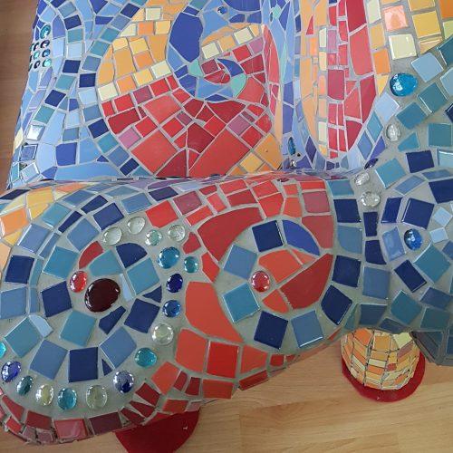 Mosaikbank_seite